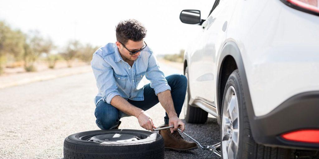 Ako opraviť prepichnutú pneumatiku.