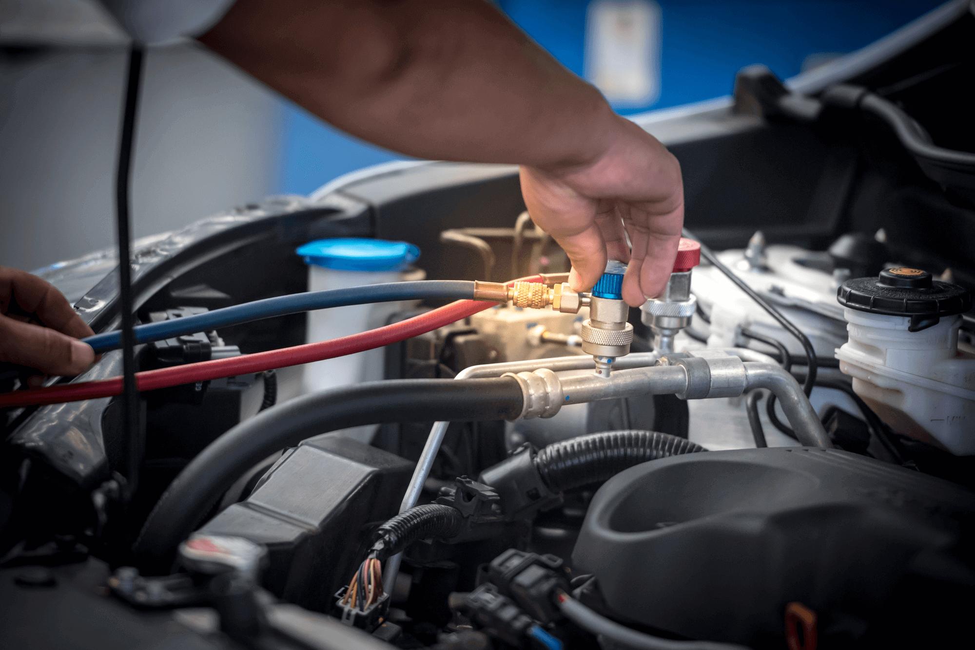 plnenie klimatizácie v aute