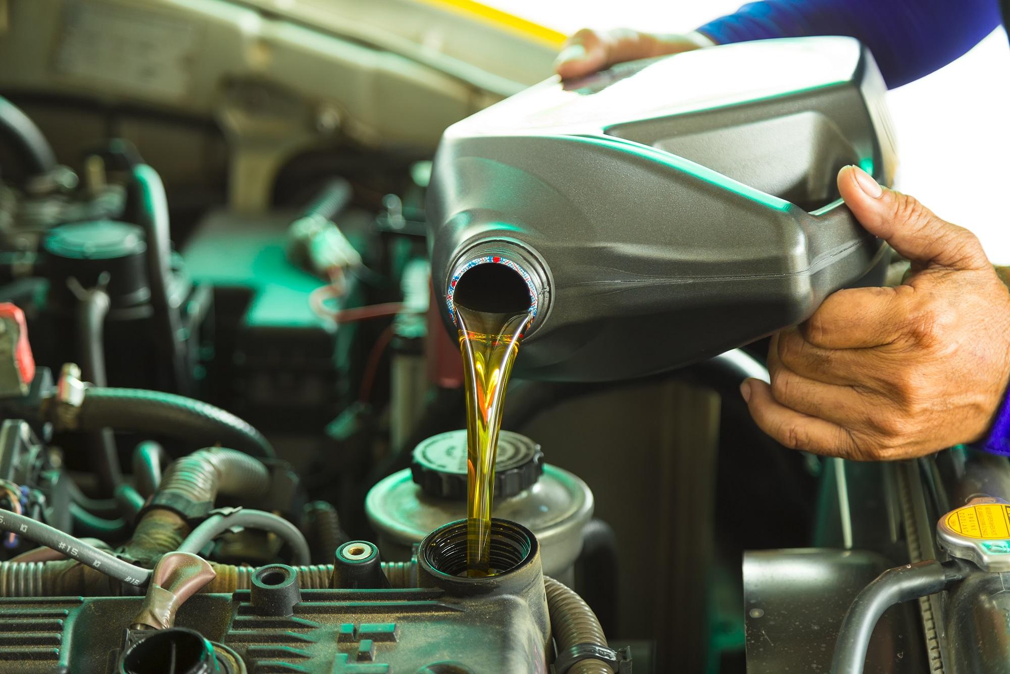 vymena motoroveho oleja Castrol 5W30