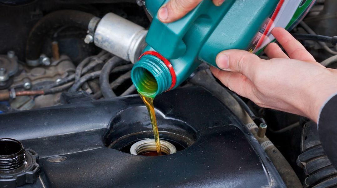 Ako si vybrať motorový olej? Nie je to veda, stačí poznať základné pravidlá!
